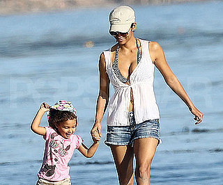 Slide Picture of Bikini Halle Berry and Nahla Aubry at the Beach