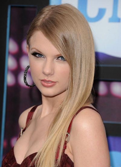 June 2010: CMT Music Awards
