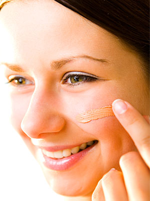 How to Use Concealer to Hide Blemishes and Under-Eye Circles