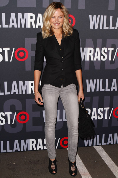 Malin Akerman gave us way-cool casual in gray denim and black.