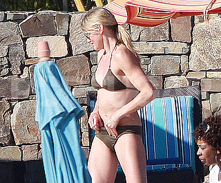 Slide Picture of Cameron Diaz in a Bikini in Mexico