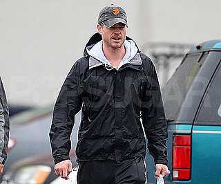 Slide Picture of Eric Dane Picking Up Gifts in LA