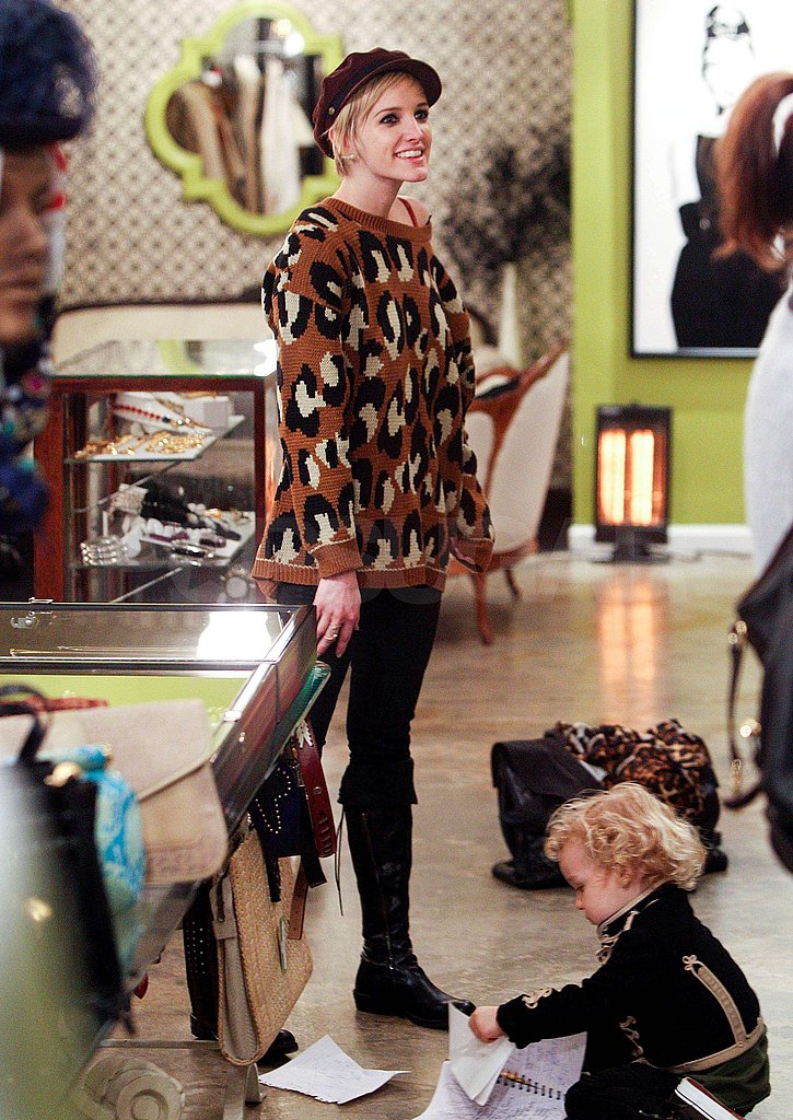 Ashlee Simpson Takes Bronx and Tina on a Vintage Shopping Mission