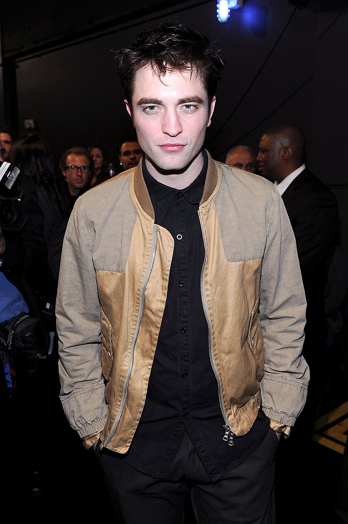 Robert Pattinson Goes Hot and Casual to Cheer Kristen On at People's Choice Awards