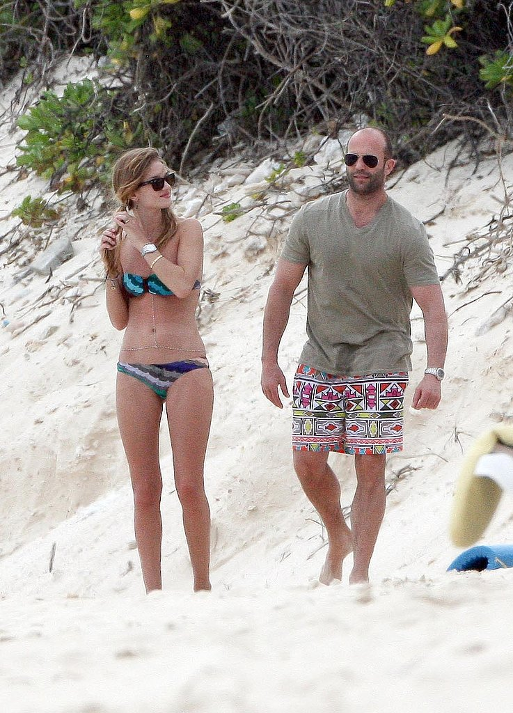 Bikini-Clad Rosie and Shirtless Jason Keep Enjoying Their New Year's Vacation!