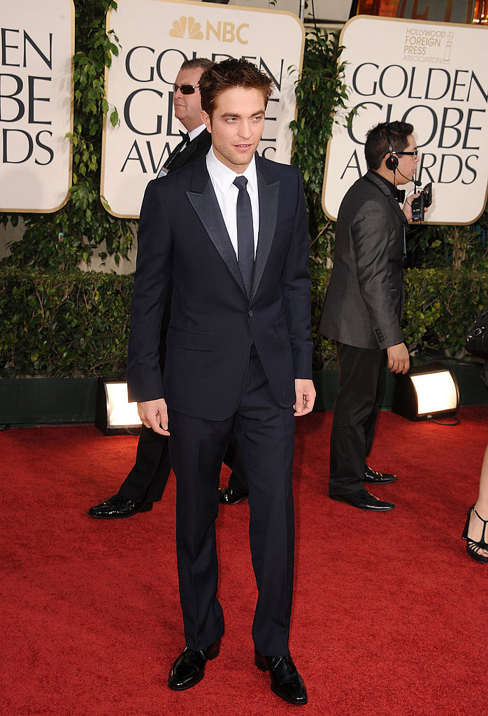 Sexy Robert Pattinson Hits Golden Globes Red Carpet in Gucci!