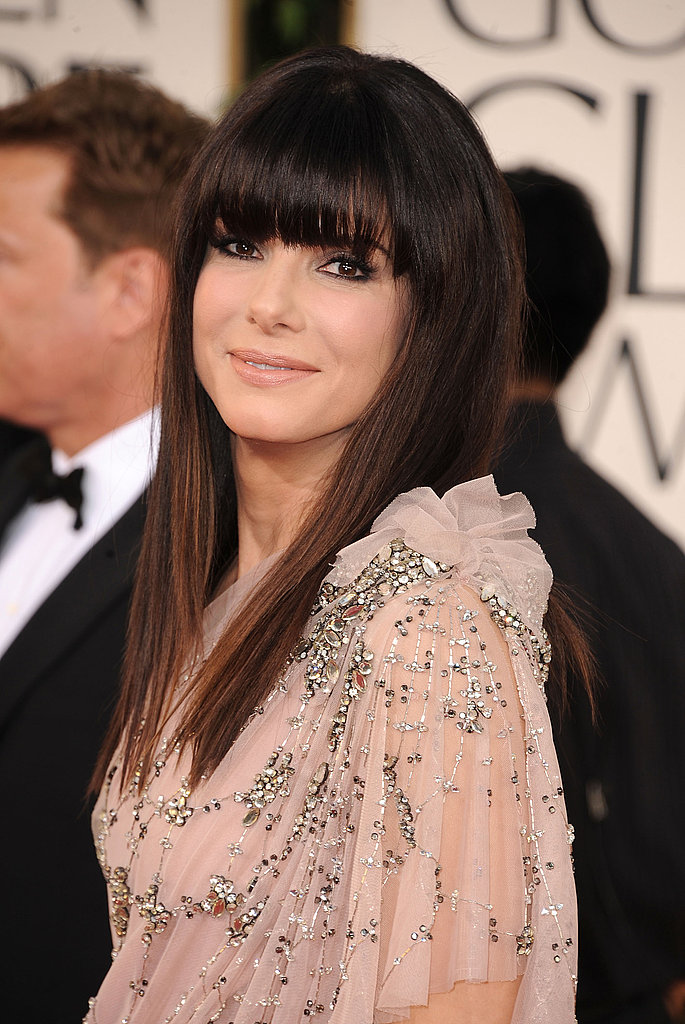Sandra Bullock Bangs Out Another Stunning Entrance!