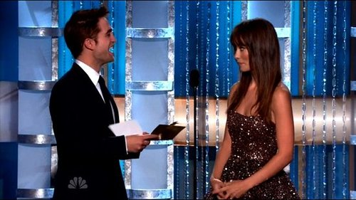 Video of Robert Pattinson Presenting at the 2011 Golden Globe Awards 2011-01-16 19:17:06