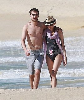 Pictures of Diane Kruger and Joshua Jackson on the Beach in Cabo