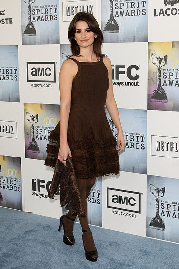 Penelope Cruz in brown Alaia.