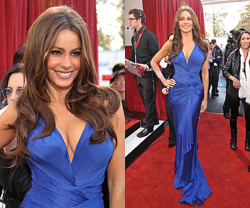 Sofia Vergara in electric blue Roberto Cavalli at SAG Awards 2011