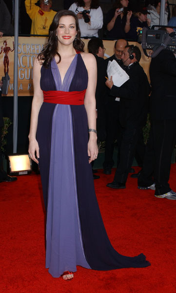 Liv Tyler went for bold colour in 2004.