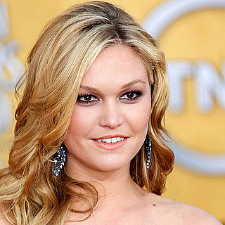 How To Get Julia Stiles's SAG Awards Makeup Look