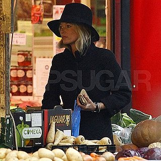 Pictures of Kate Moss Shopping in London 2011-02-01 12:22:18