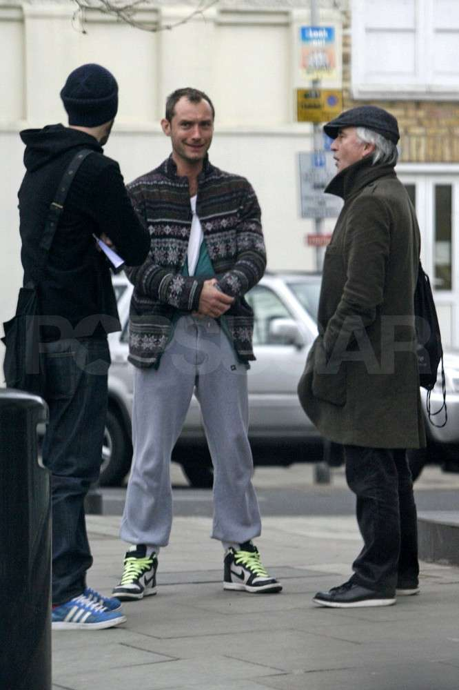 Pictures of Three Guys Chatting