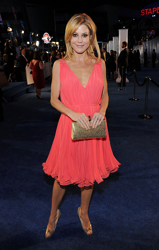 Julie Bowen's flouncy coral frock is made for a dancing date!