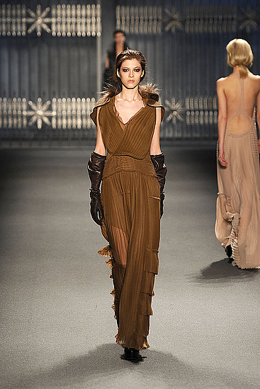 Fall 2011 New York Fashion Week: Vera Wang 2011-02-15 10:46:24