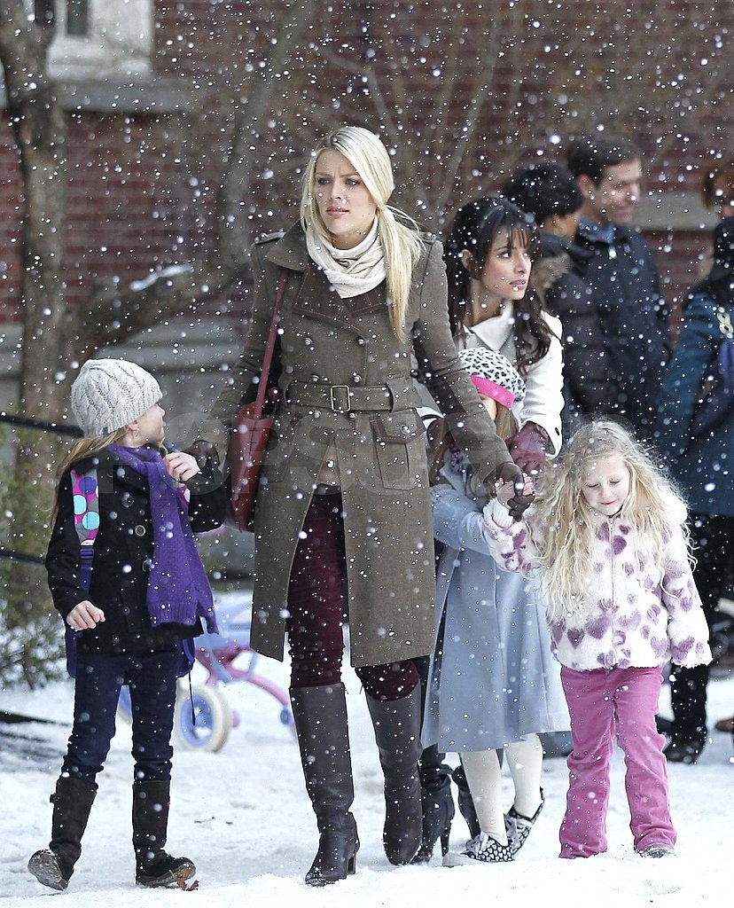 "Busy Phillipps Is ""Over the Joy of Snow"" and Ready For Her Hawaiian Getaway"