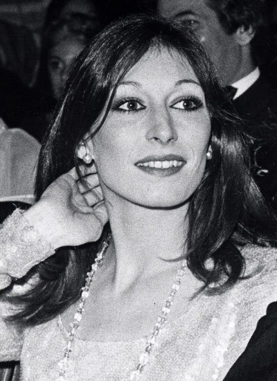 Anjelica Huston, 1975