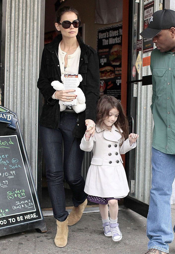 Katie and Suri Shop and Eat Their Way Around Vancouver While Tom Works