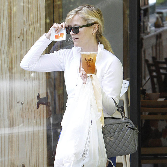 Pictures of Reese Witherspoon Stopping by Le Pain Quotidien in Brentwood