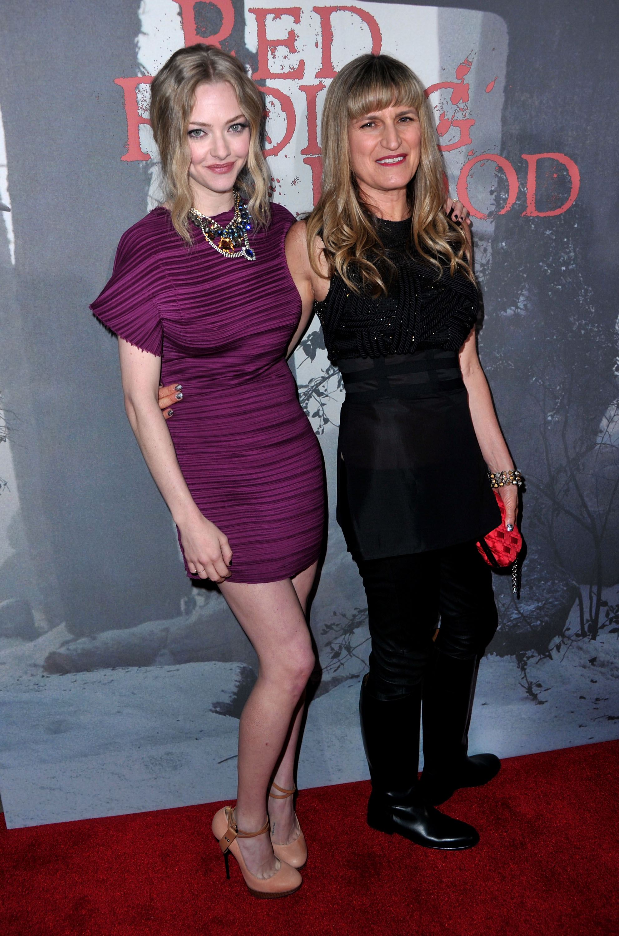 Amanda Seyfried and Catherine Hardwicke