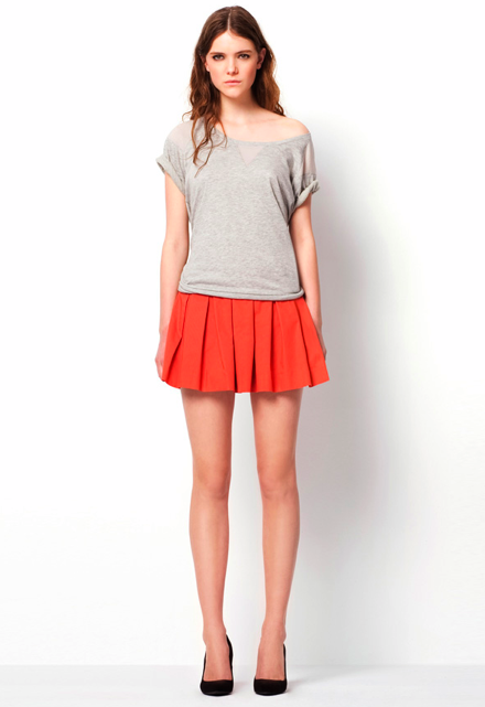 Short-Sleeve Sweatshirt ($30) Pleated Skirt ($40) Basic Court Shoe ($50)