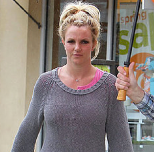 Pictures of Britney Spears Shopping With Her Sons Sean Preston and Jayden James