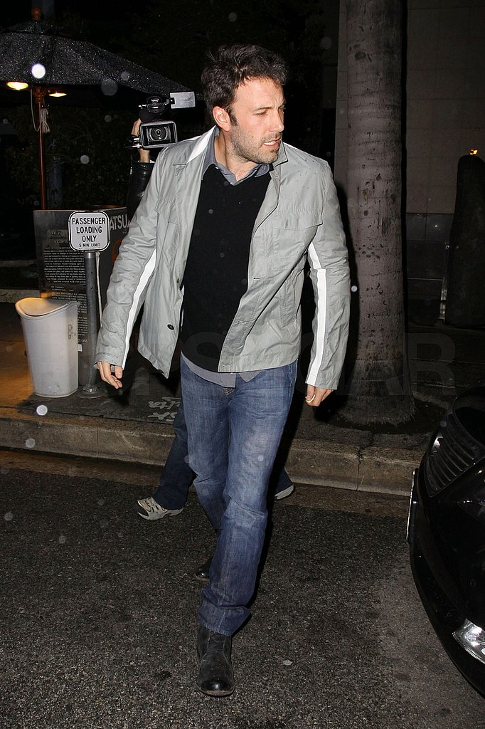 Ben Affleck Has an Evening of Chilling With His Boys