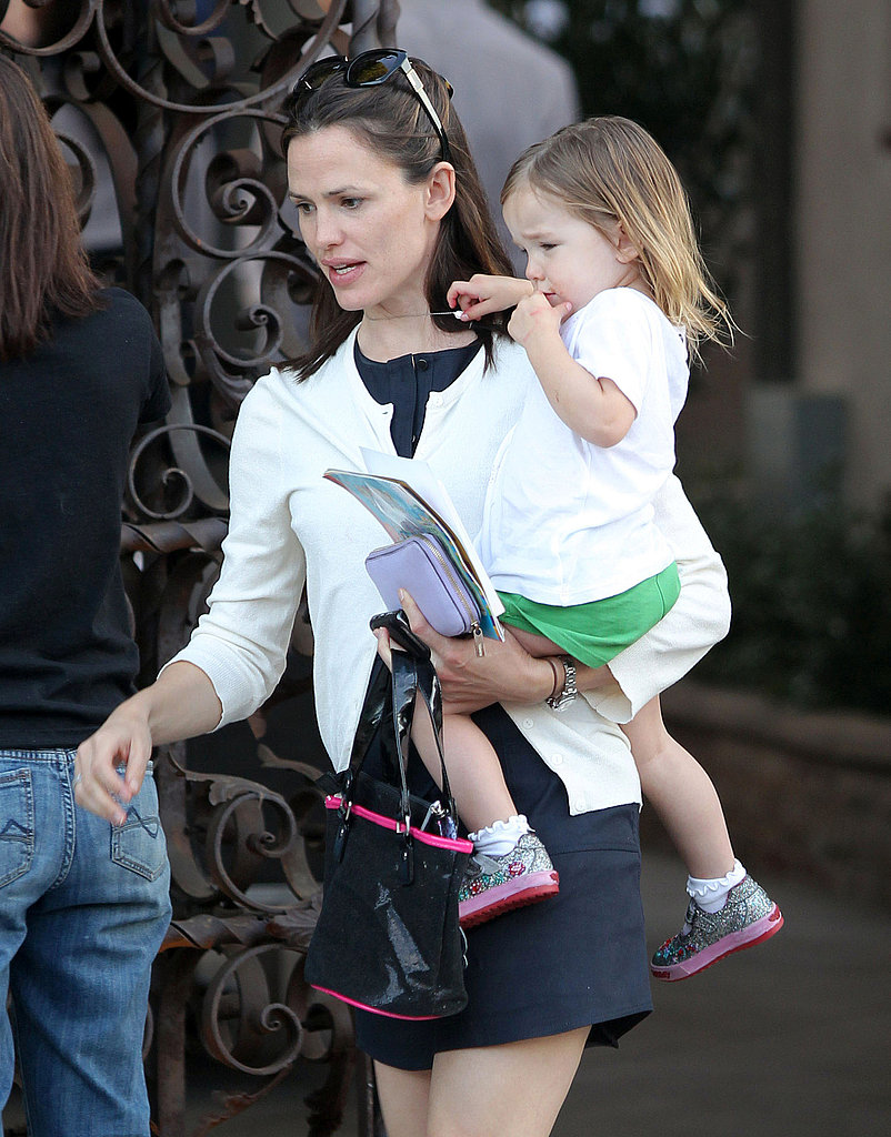 Birthday Girl Jennifer Garner Celebrates With Ben Affleck, Violet, Seraphina, and Matt Damon!