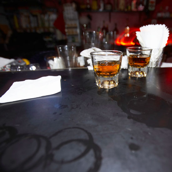5 Apps to Help You Get Your Booze on, and 1 to Save You From a DUI