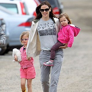 Jennifer Garner Takes Seraphina and Violet Affleck to a Farm
