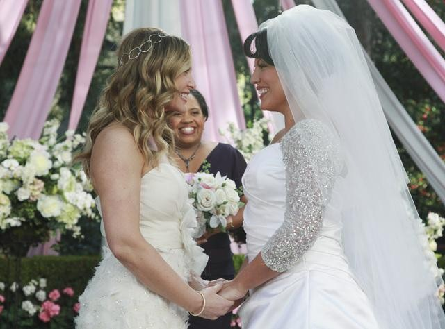 Grey's Anatomy Wedding Sneak Peek: Callie and Arizona Tie the Knot!
