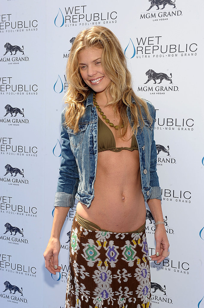 AnnaLynne McCord Trades Vancouver and Kellan For Vegas and Bikinis
