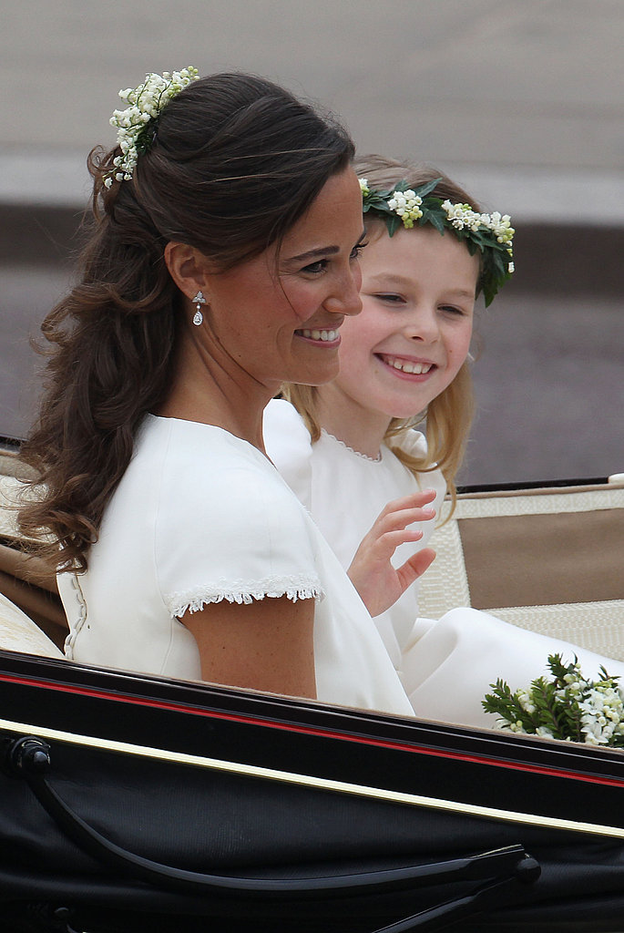 Pippa Middleton Smiles in Her Carriage to Buckingham Palace