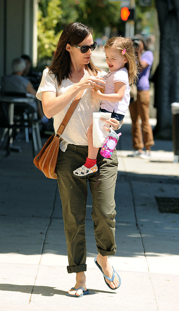 Jennifer Garner and Seraphina Share a Cool Drink on a Warm Day