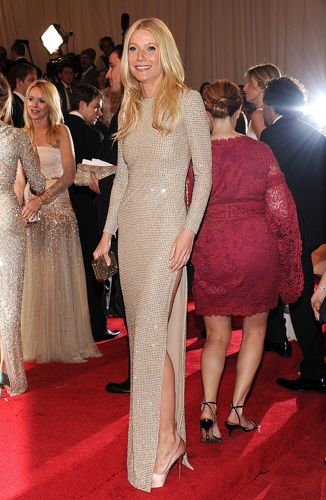Front view of Gwyneth's shimmering Stella McCartney gown.