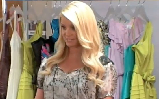 Video: Jessica Simpson Surprises 7 Girls With Prom Dresses on Oprah!