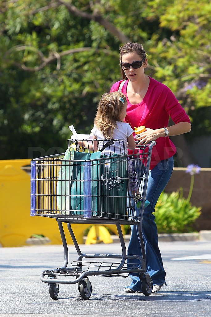 Jennifer Garner and Seraphina Affleck Are a Wholesome Shopping Pair