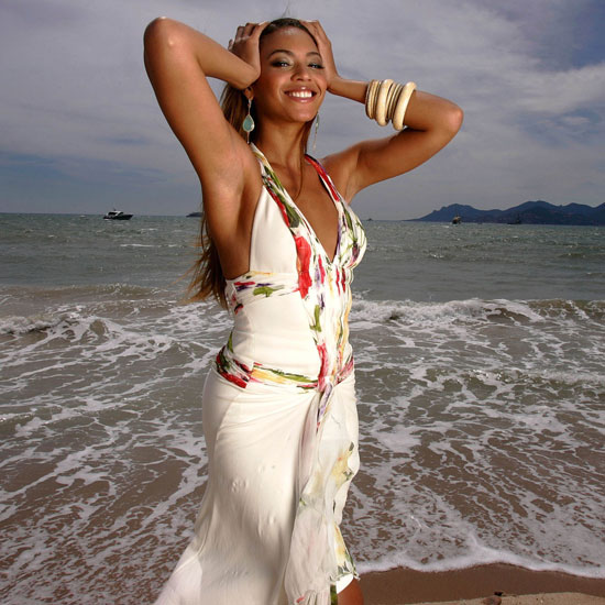 Beyoncé posed on the beach before showing off Dreamgirls in 2006.