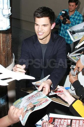 Pictures of Taylor Lautner Leaving Jimmy Kimmel