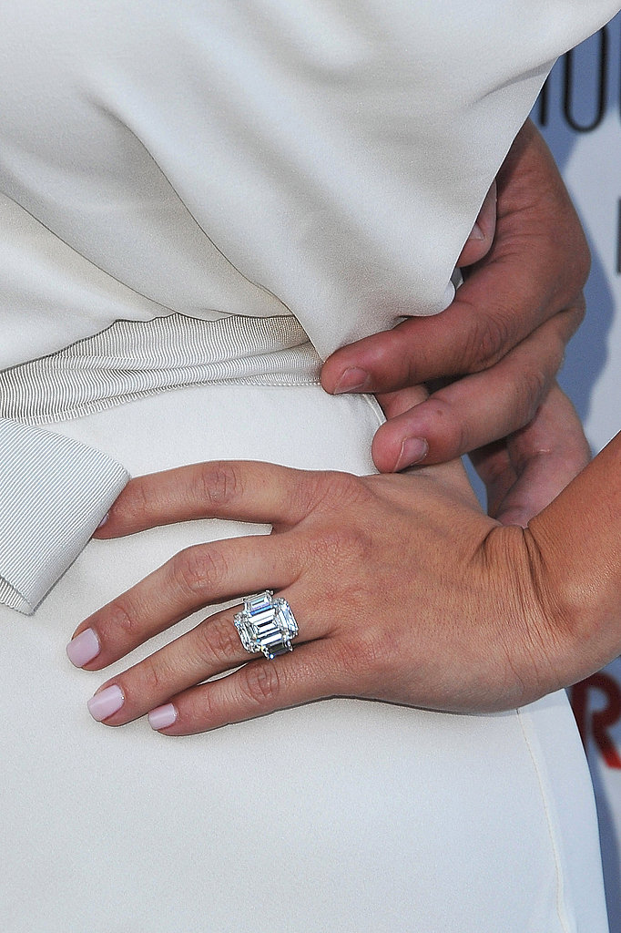 Kim Kardashian Wears White to Show Off Her Huge Ring!