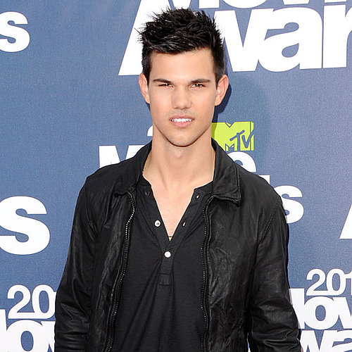Taylor Lautner Pictures at the 2011 MTV Movie Awards