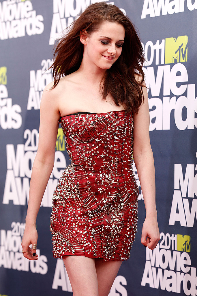 Kristen Stewart Rocks a Hot Balmain Mini For Her Big Twilight Night at the MTV Movie Awards!