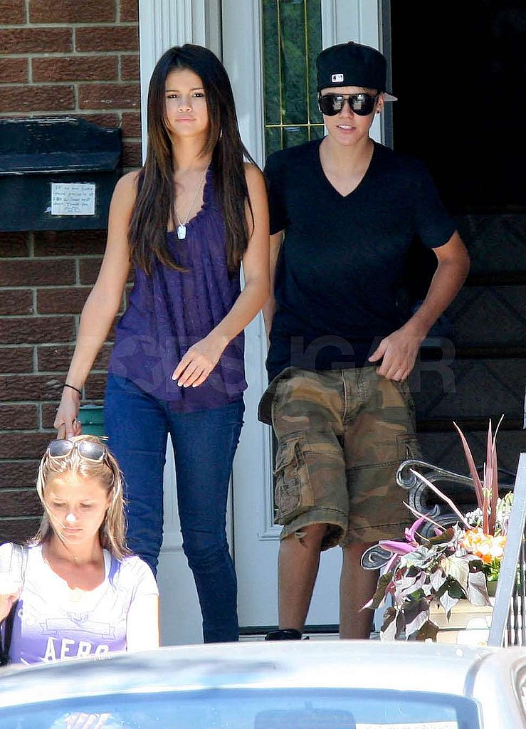 Justin and Selena Clock Some Friends and Family Fun Time in Toronto