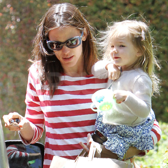 Jennifer Garner and Seraphina Affleck Bounce Between Errands