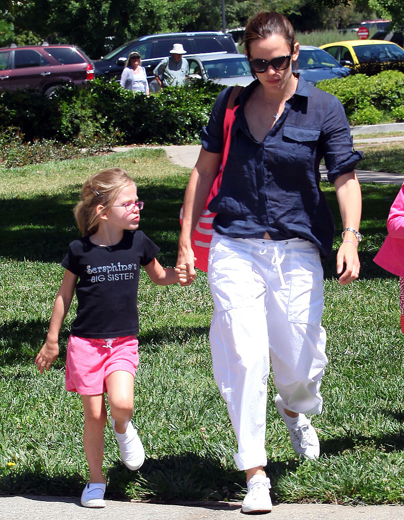 Jennifer Garner and Big Sister Violet Keep Seraphina in Mind During a Garden Tour