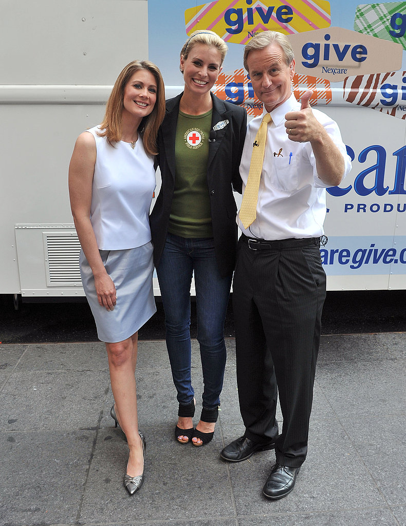 Jennifer Garner Chats, Cooks, and Endorses Alec Baldwin For Mayor During Her Philanthropic Trip East