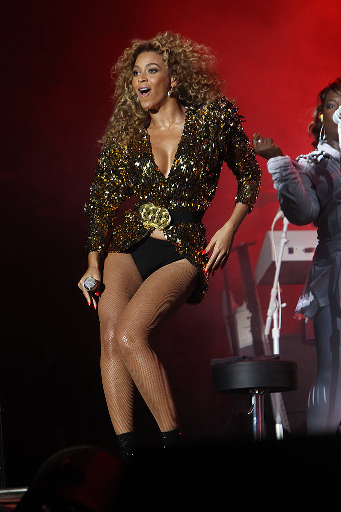 Beyonce Knowles singing and dancing at Glastonbury.
