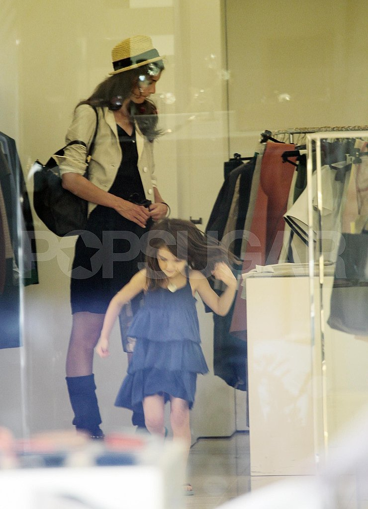 Katie Holmes and Suri Cruise browsed racks.